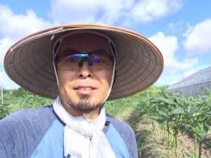 バッチョロ笠と紫外線避けサングラス