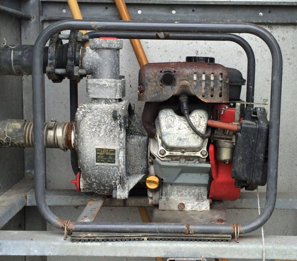 井戸ポンプのエンジン
