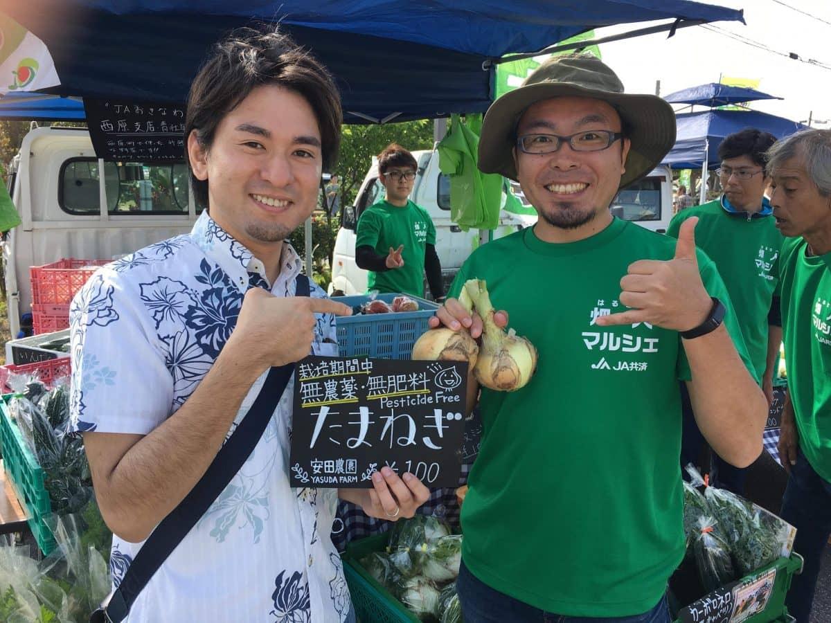 農業営業代行の新垣さんが軽トラ市に遊びに来てくれました
